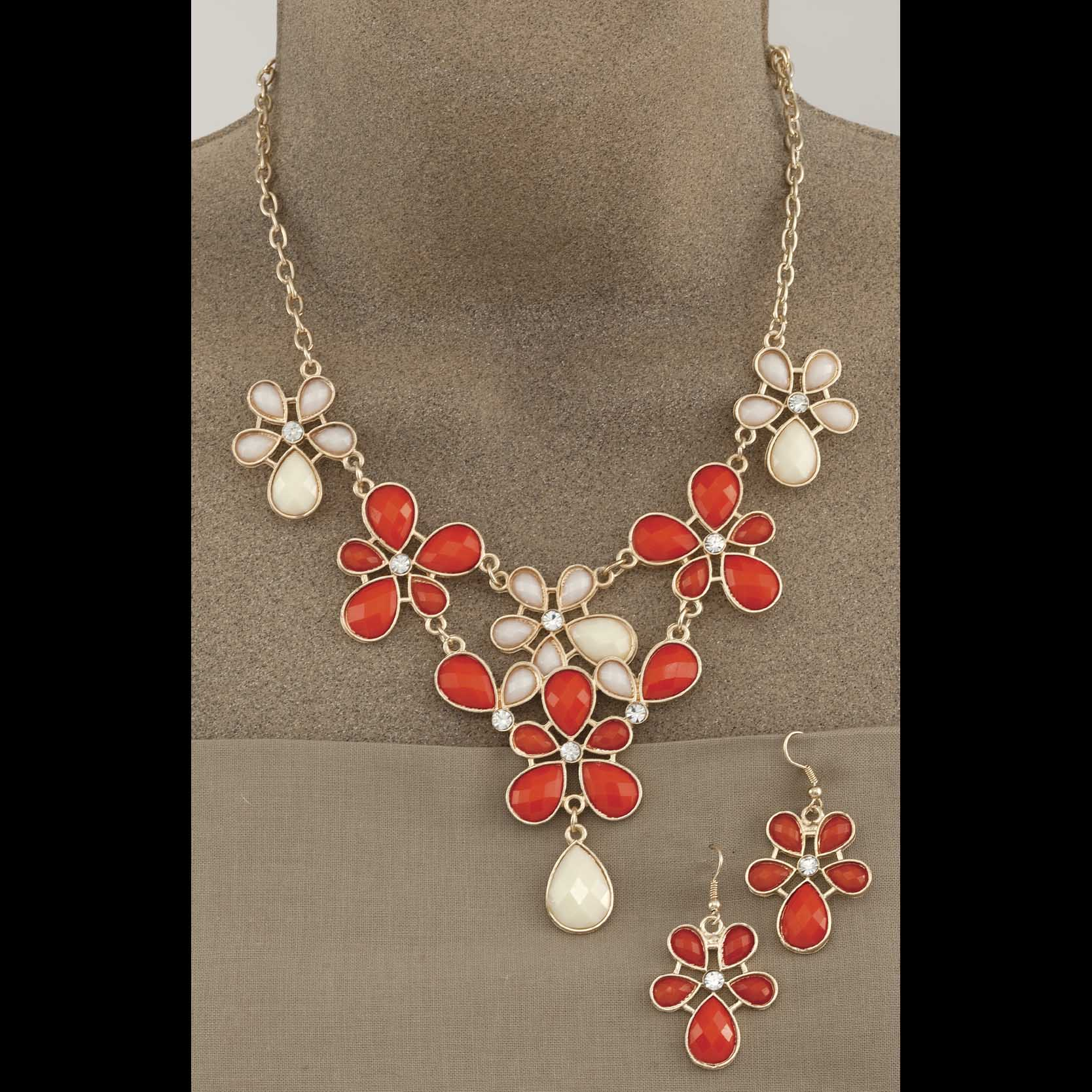 """Gold Floral Capishon Necklace 17""""-19"""" and 2"""" Earrings Set"""