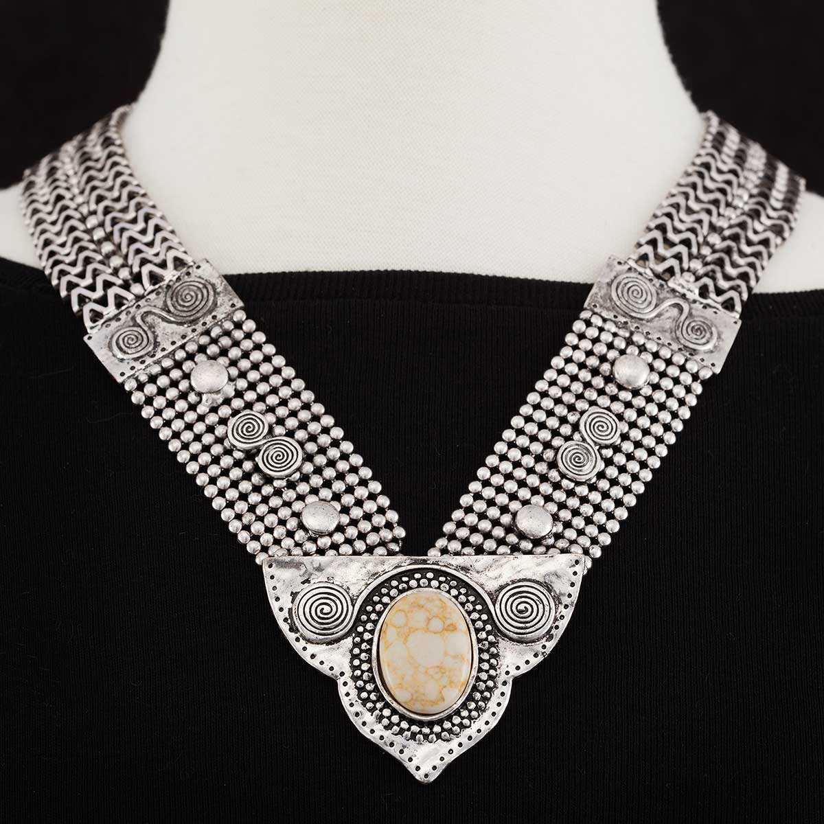 "Tibetan Mesh Necklace with White Stone 21"" Snap Clasp *30sp"