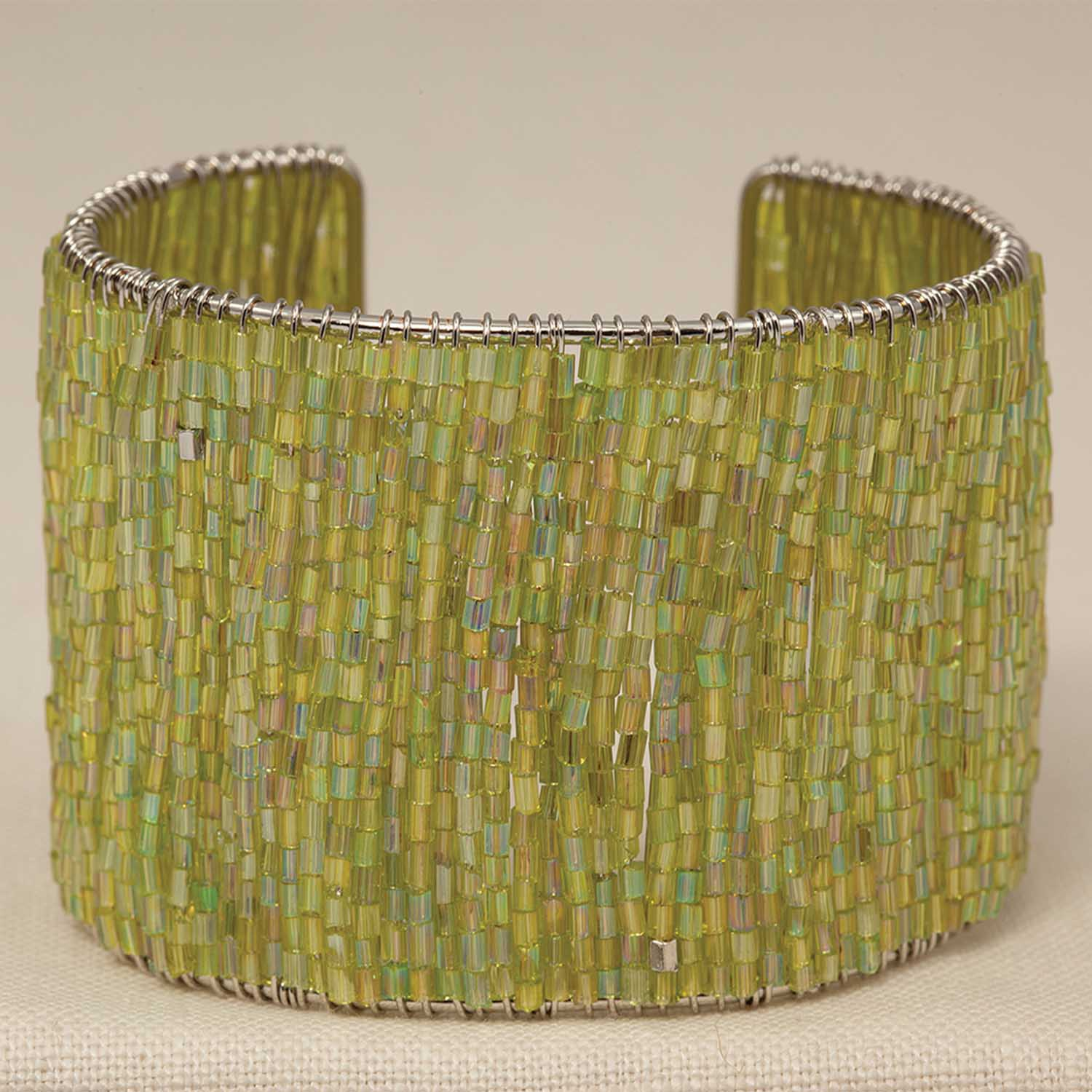 "Green Bead Flexible Cuff Bracelet 6.5"" *30sp"