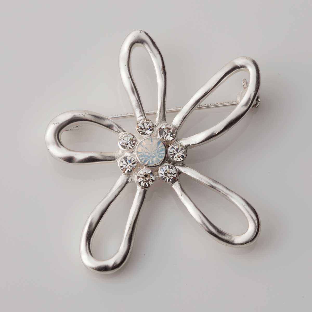 SILVERTONE OPEN DAISY PIN WITH CRYSTALS