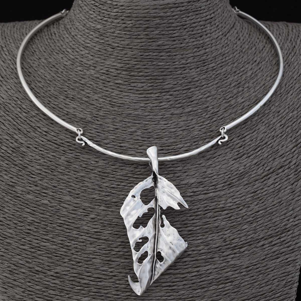 "SATIN SILVER 3.25"" LEAF COLLAR NECKLACE 19""-22"""