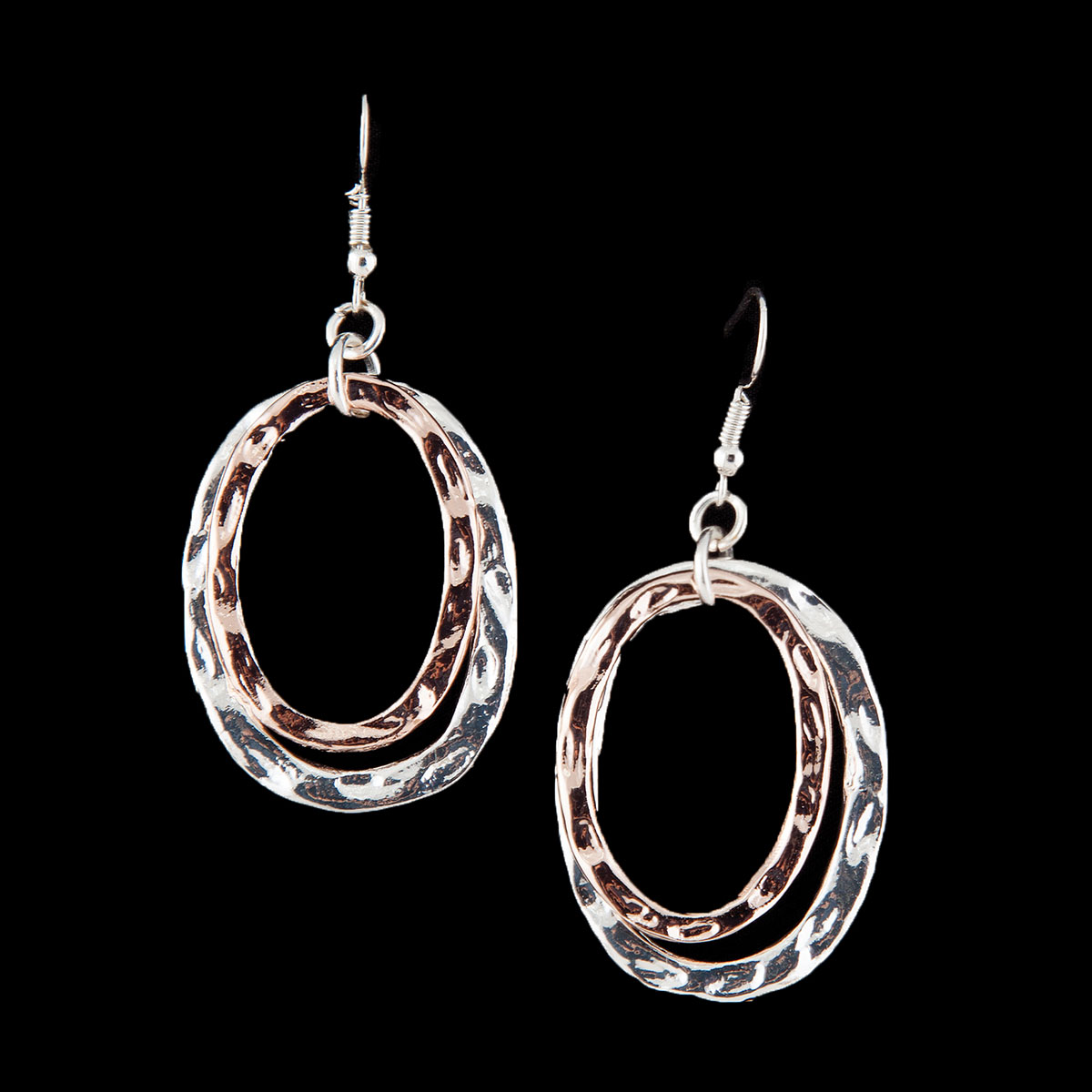 SI SINGLE HAMMERED OVAL EARRINGS