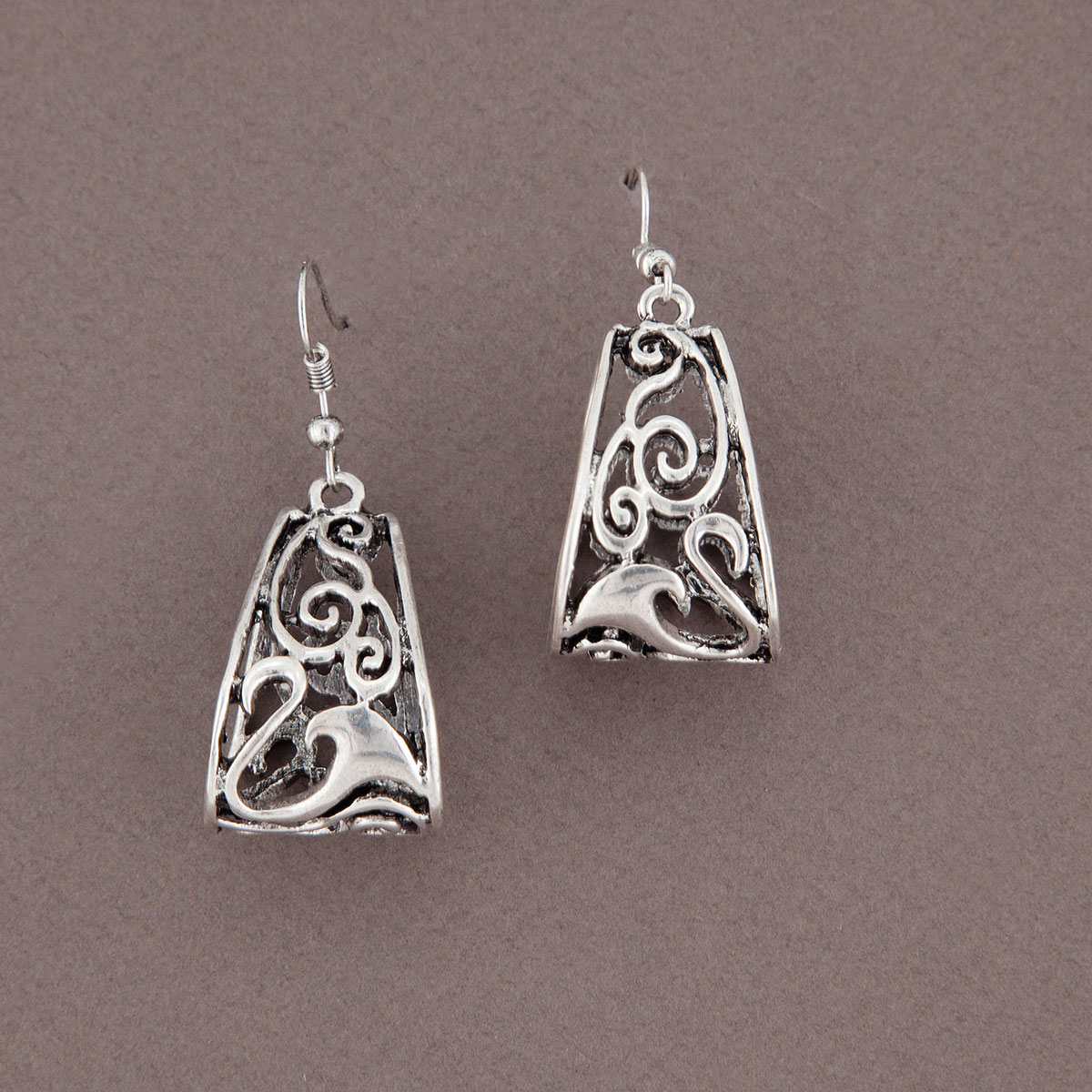 SCROLL EARRING SILVER