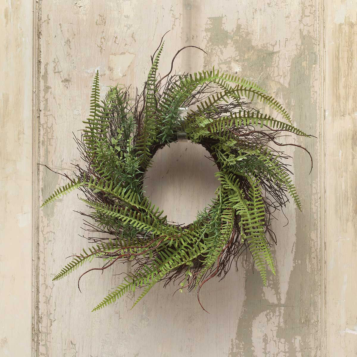 "DECORATIVE FERN & TWIG WREATH 21""(INNER RING 7"")"