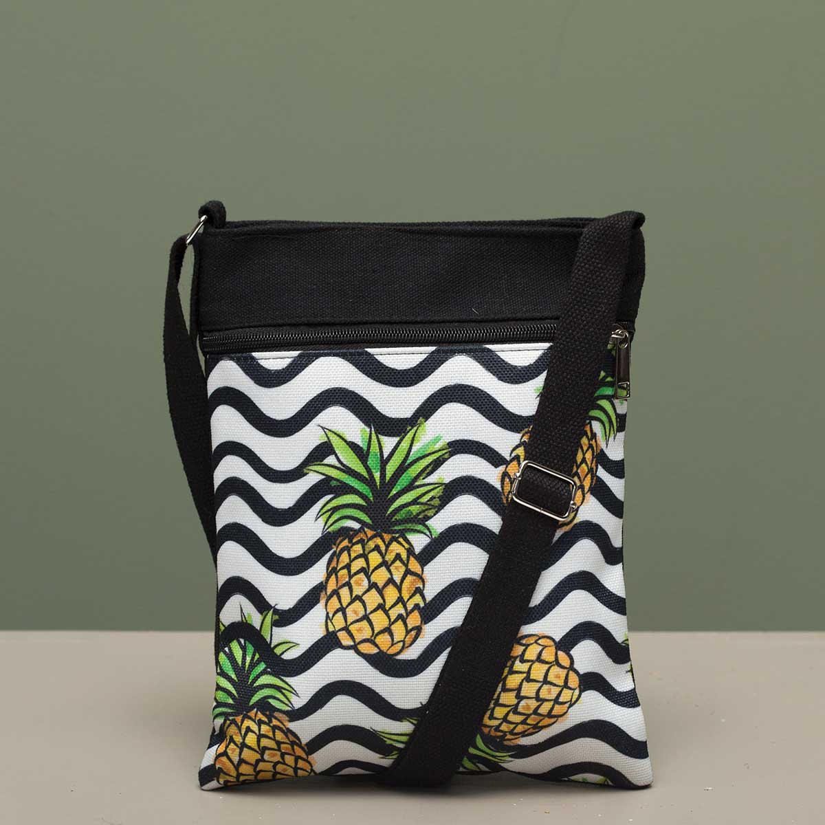 PINEAPPLE BAG CROSSBODY