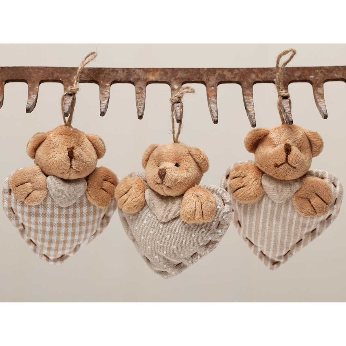 VINTAGE BEAR HEART SET OF 3