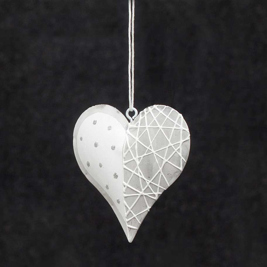 FARMHOUSE METAL HEART
