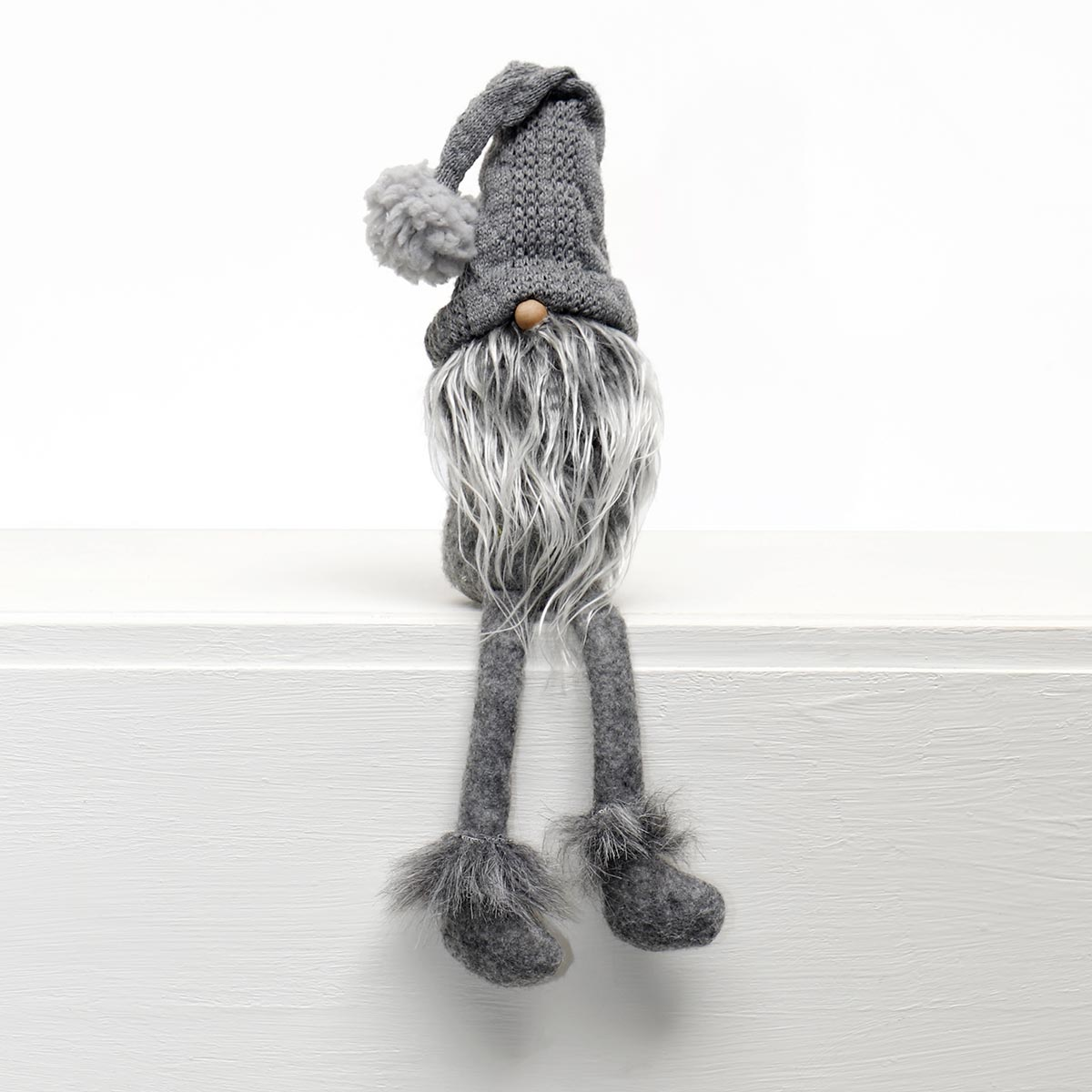 HANZ GNOME WITH GREY SWEATER