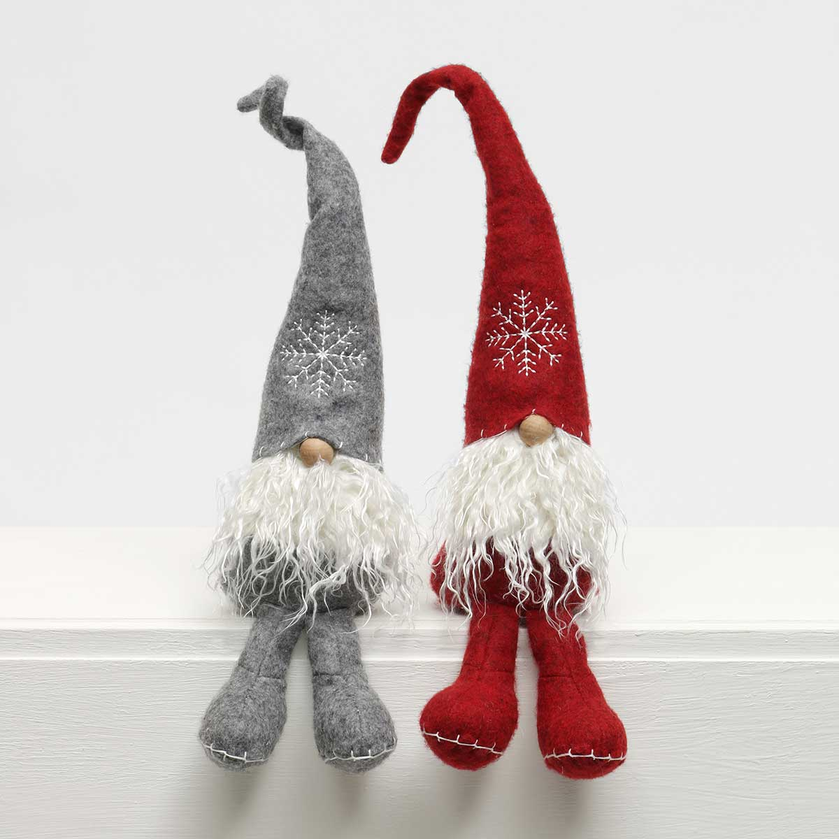 SCHNITZEL GNOME WITH SNOWFLAKE HAT,