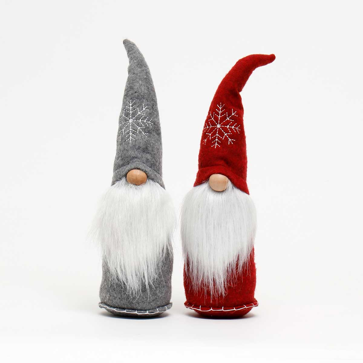 FINN GNOME WITH SNOWFLAKE