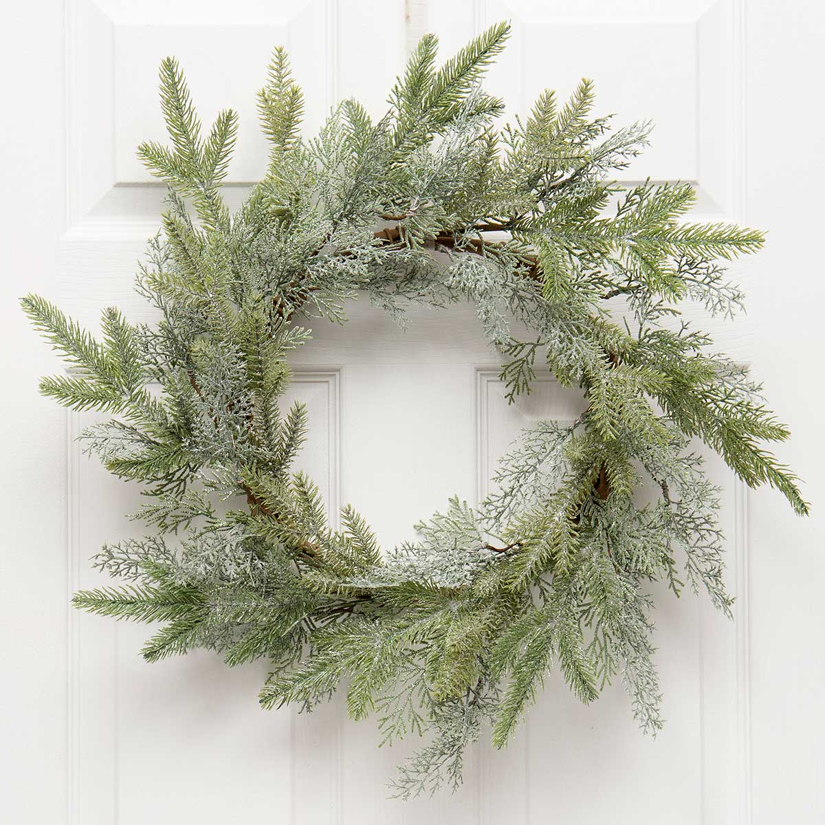 FROSTED CEDAR MIX PINE WREATH